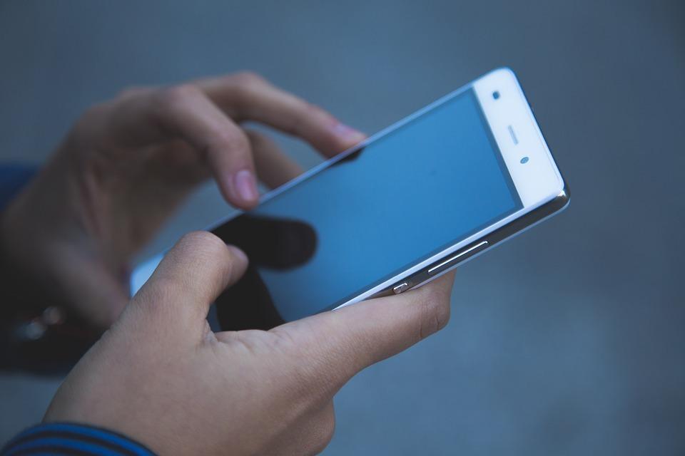 Reparera mobilen – hållbart och ekonomiskt
